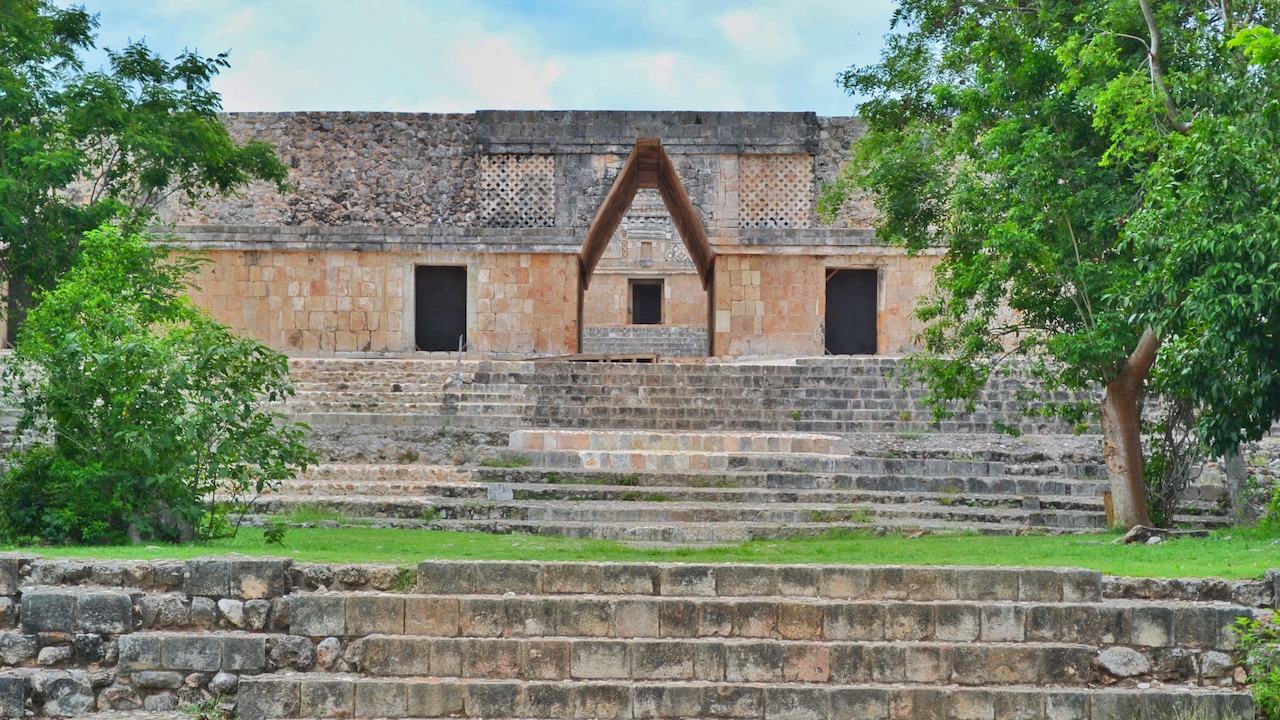 architecture-mayans-uxmal