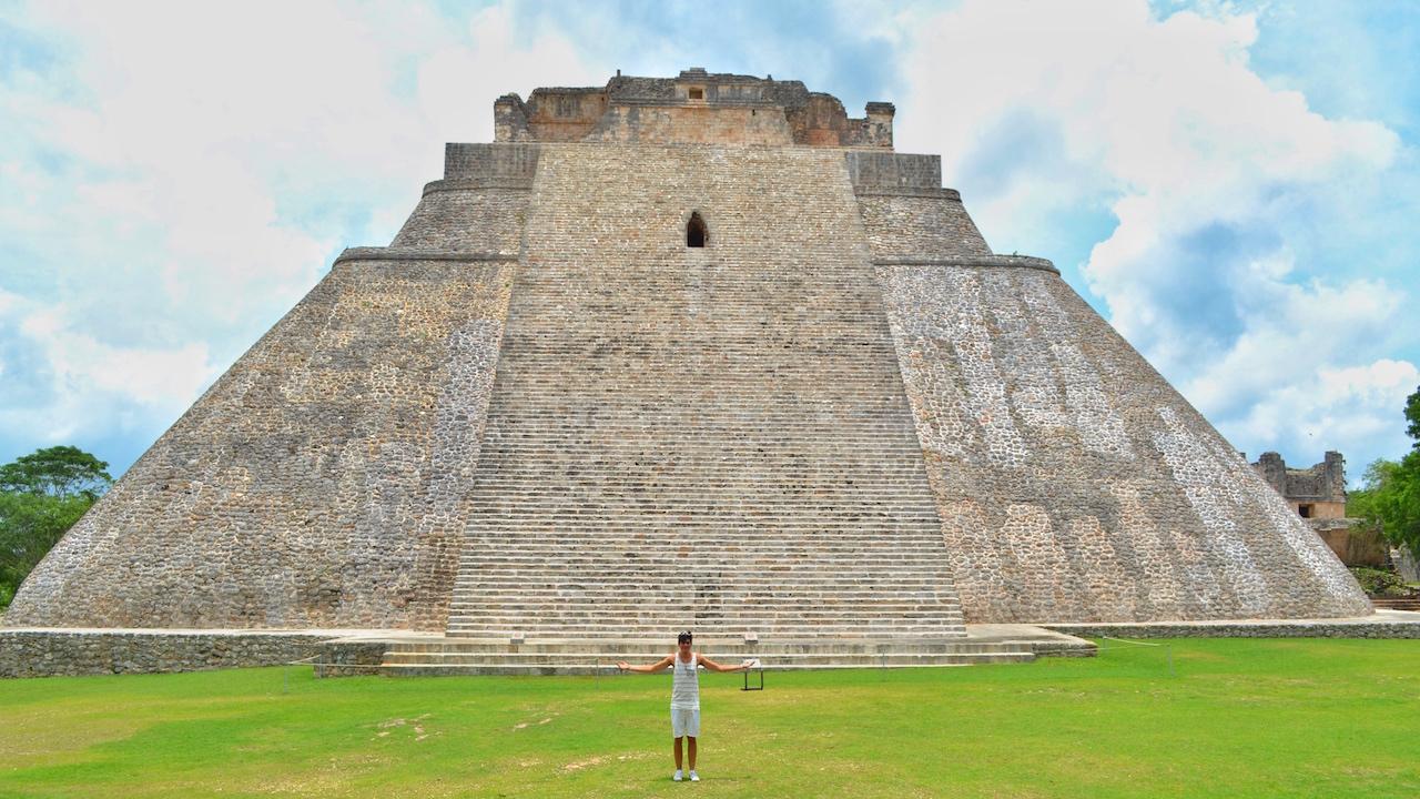 el-adivino-magician-temple-piramide-uxmal