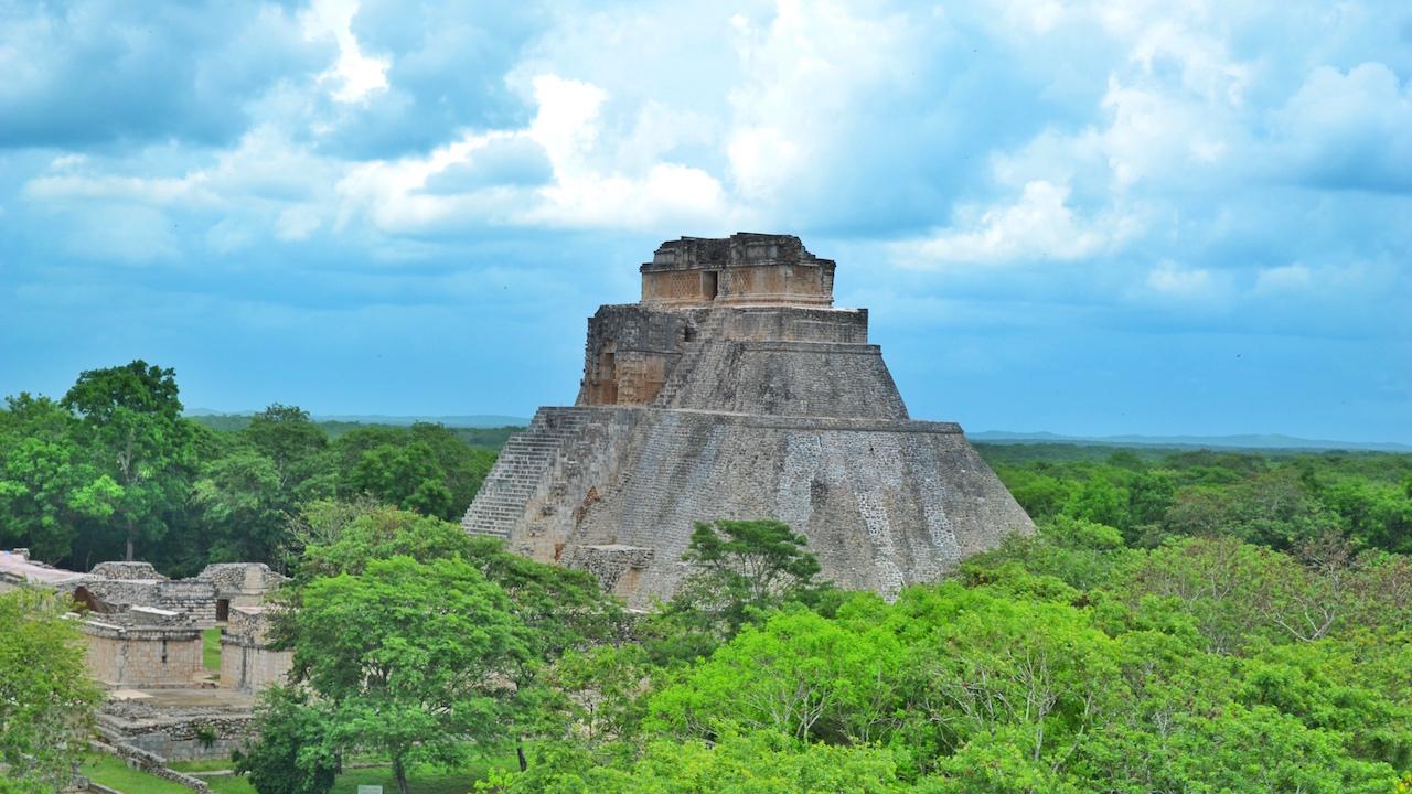 uxmal-piramide-del-adivino