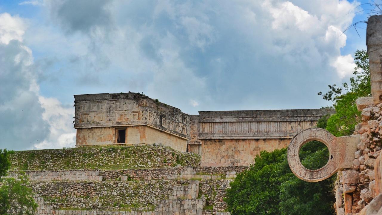 juego-de-pelota-maya-uxmal-yucatan
