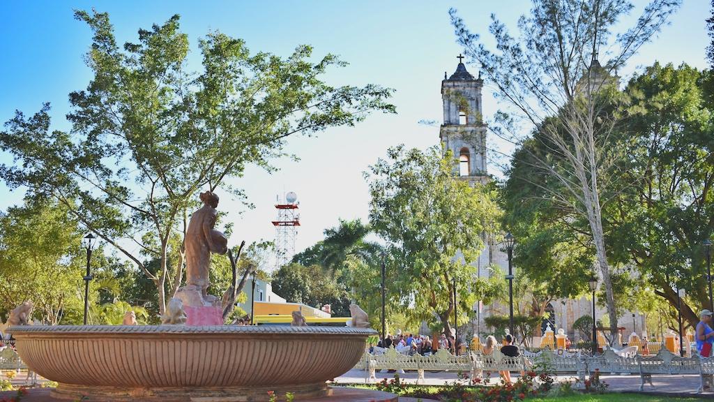 friendly-touring-chichen-itza-from-cancun-valladolid