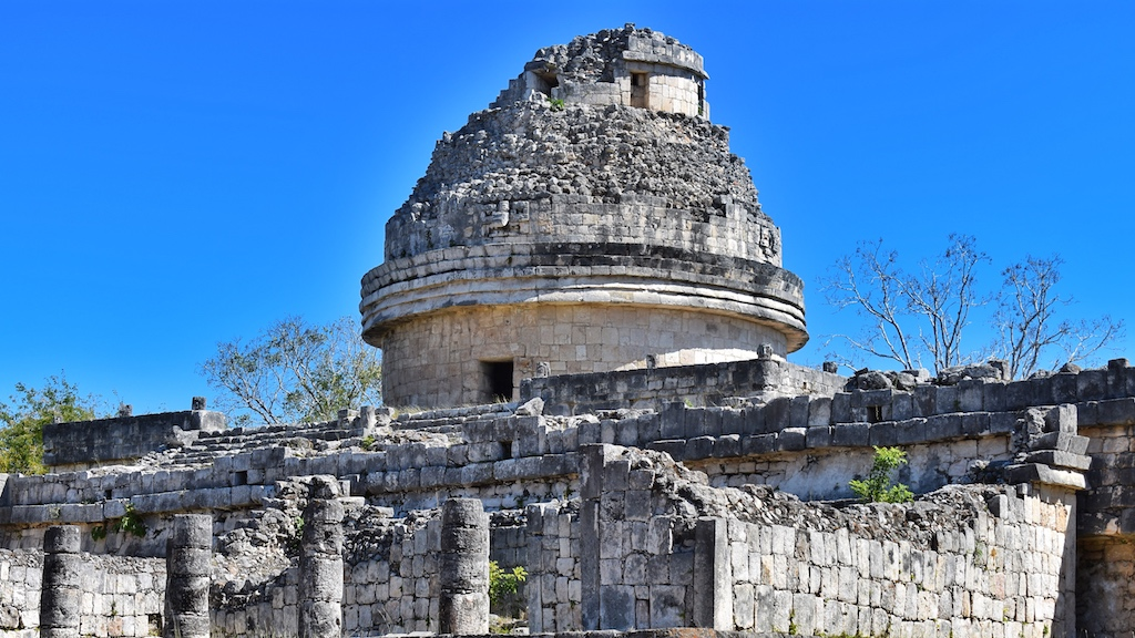 friendly-touring-chichen-itza-observatory