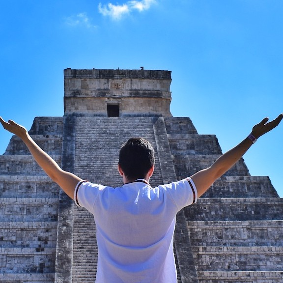 friendly-touring-chichen-itza-tour-xichen