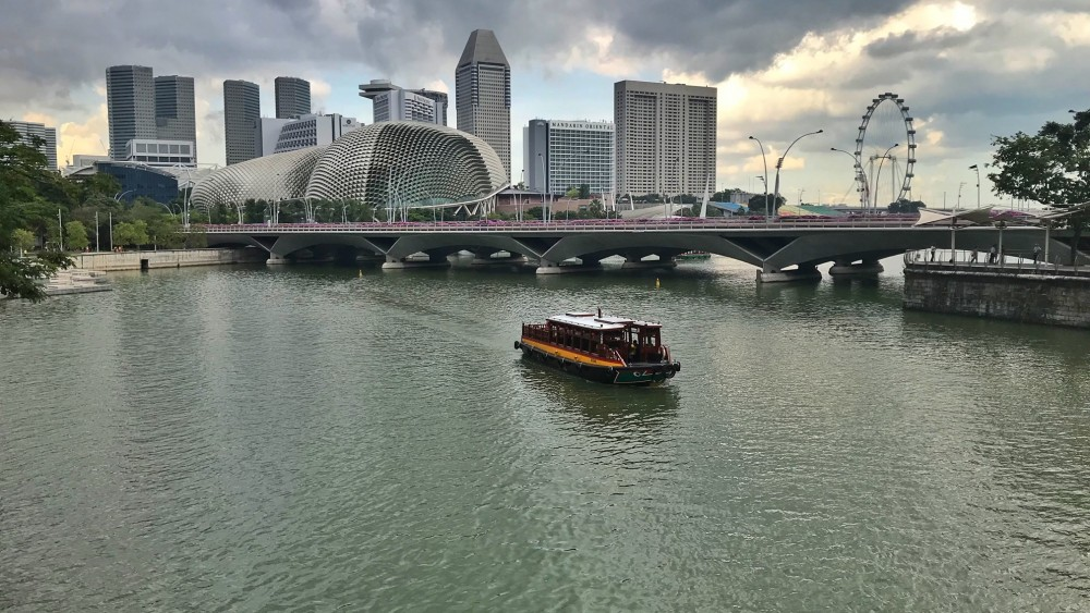 friendly-touring-singapur-esplanade