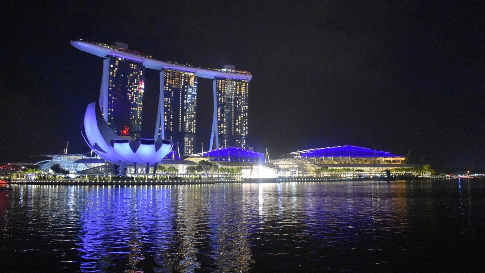 friendly-touring-singapur-marina-bay-sands-view-art-science-museum