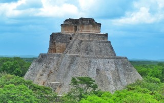 friendly-touring-uxmal